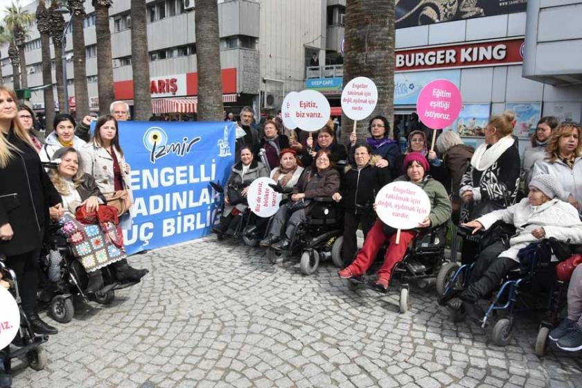 İzmir'de engelli kadınlar sorunlarına dikkat çekti