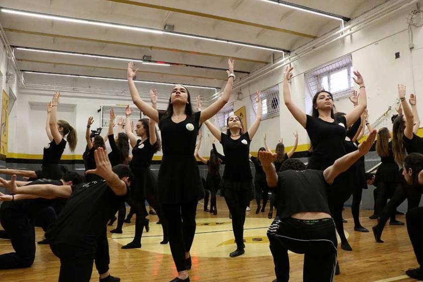 İstanbullular Ermeni müzik ve danslarına doyacak