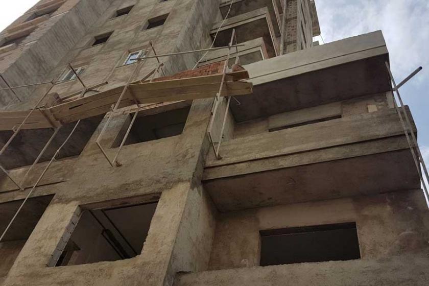 Adana'da iş cinayeti: İnşaat ustası 2. kattan düşerek öldü