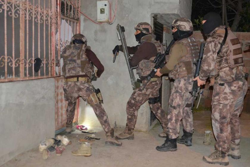 Adana'da IŞİD operasyonu: 13 gözaltı