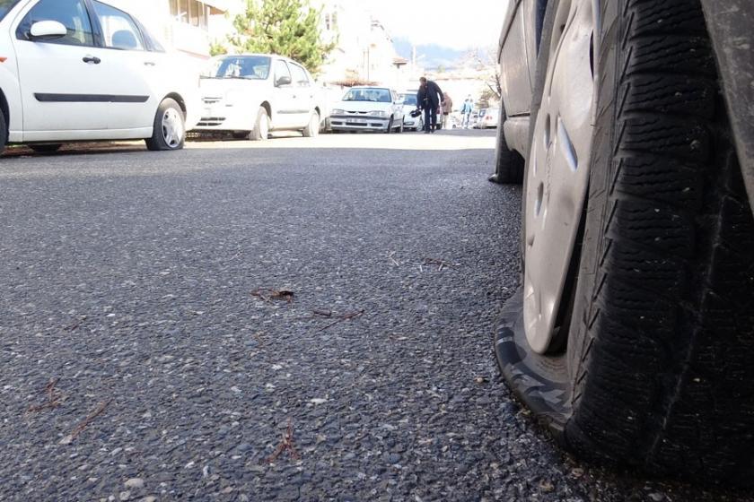 Sevgilisinden ayrılınca 30 aracın lastiklerini kesti