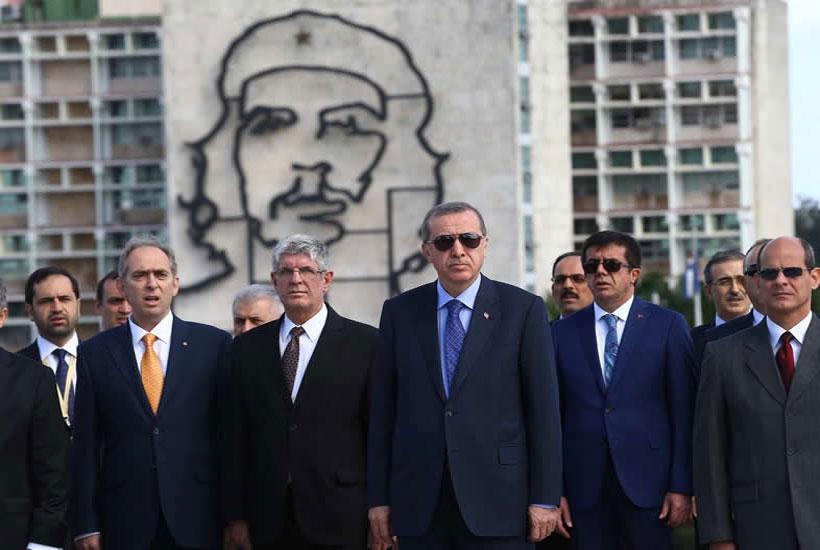 Cumhurbaşkanı Erdoğan, Jose Marti'nin anıtını ziyaret etti