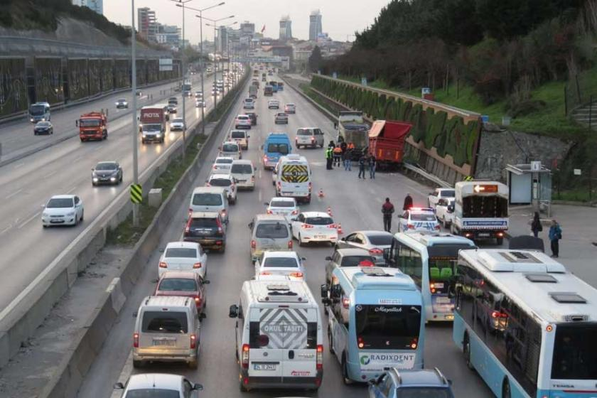 Maltepe'de trafik kazası: 1 ölü