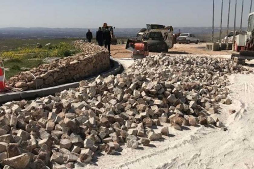 'Dünyanın ilk tapınağı Göbeklitepe'ye beton döküldü'