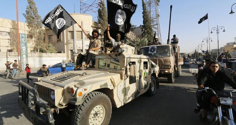 IŞİD, ABD üssü yakınına saldırdı