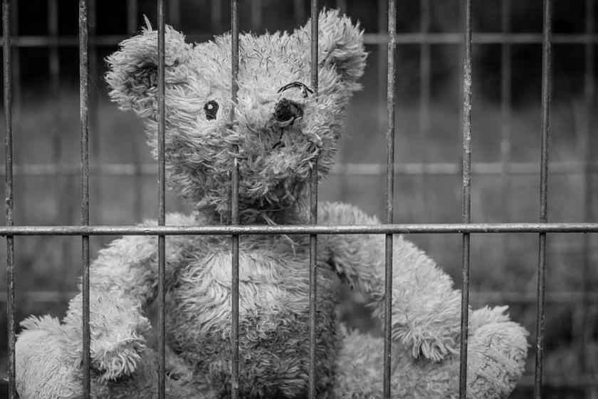 Cezaevindeki çocuklar pek çok yönden yaşıtlarının gerisinde
