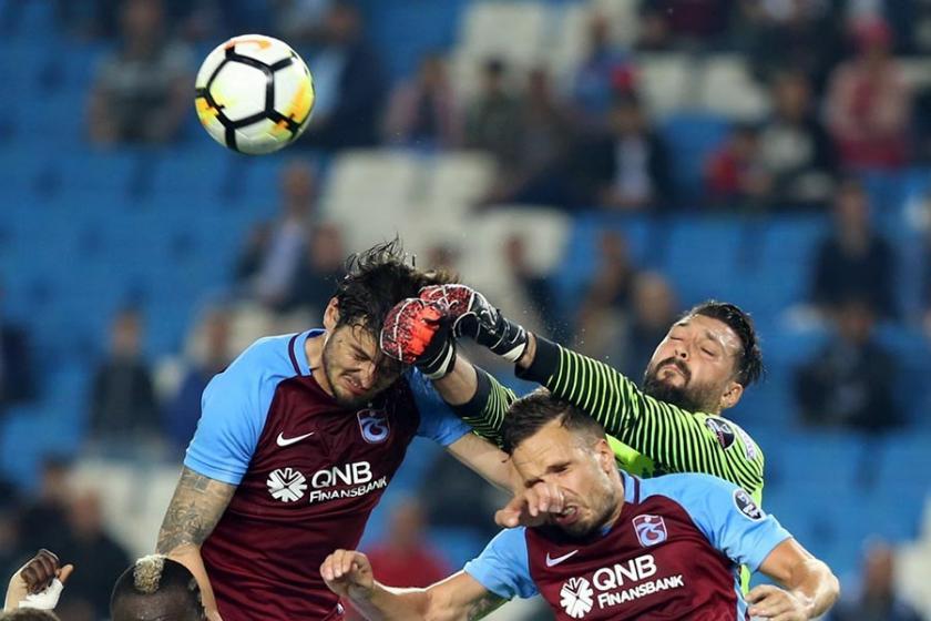Trabzonspor-Kasımpaşa maçında 7 gol, 2 kırmızı kart: 2-5
