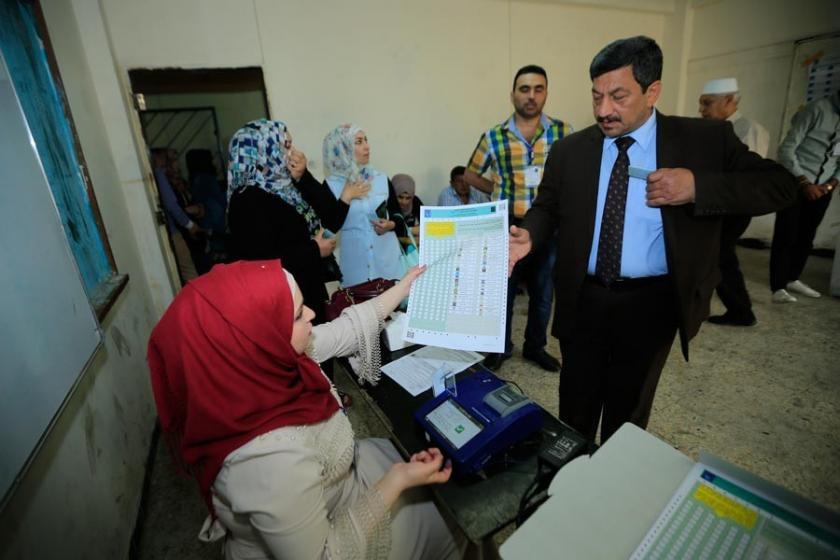 Irak seçimlerinde İbadi önde, Sadr ikinci