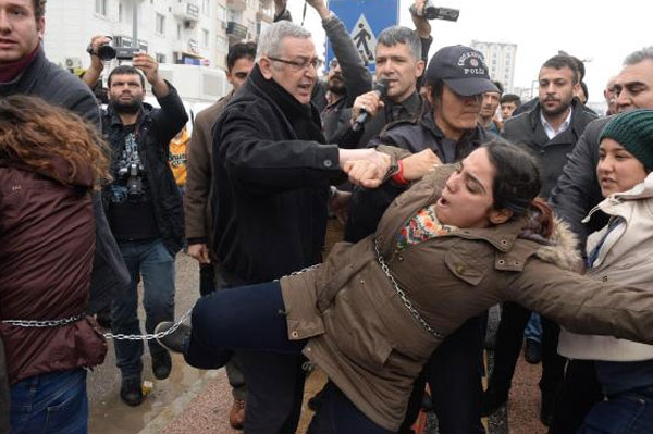 Mahkemeye sevk edilen SDP'li kadınlar serbest