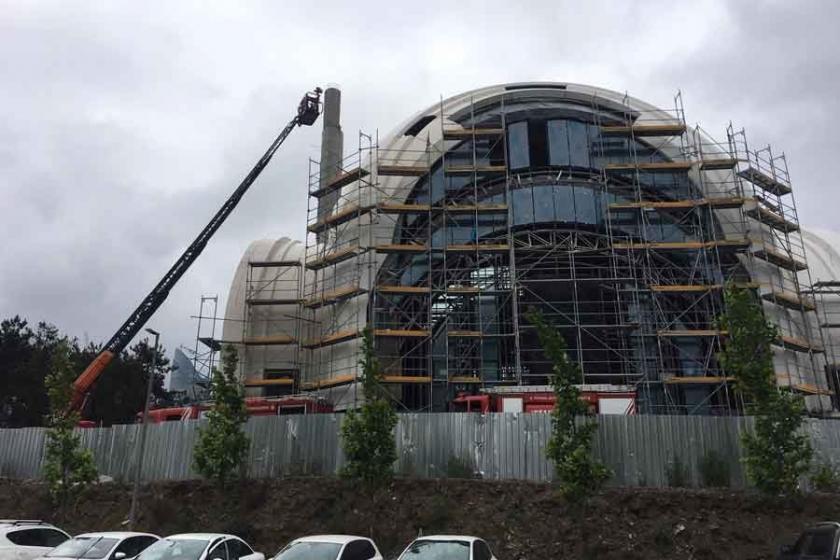 Trabzon'da cami inşaatında çökme: 2 işçi yaralı