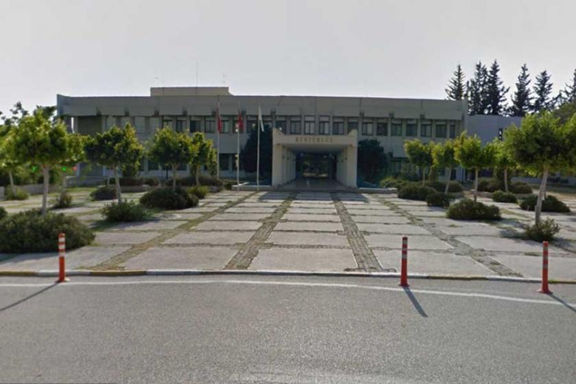 Çukurova Üniversitesi'nin bildiri yasağı hukuki değil