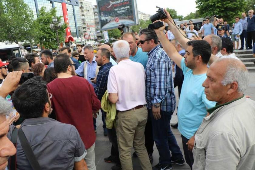 Polis HDP'li milletvekili adayına yumruk attı