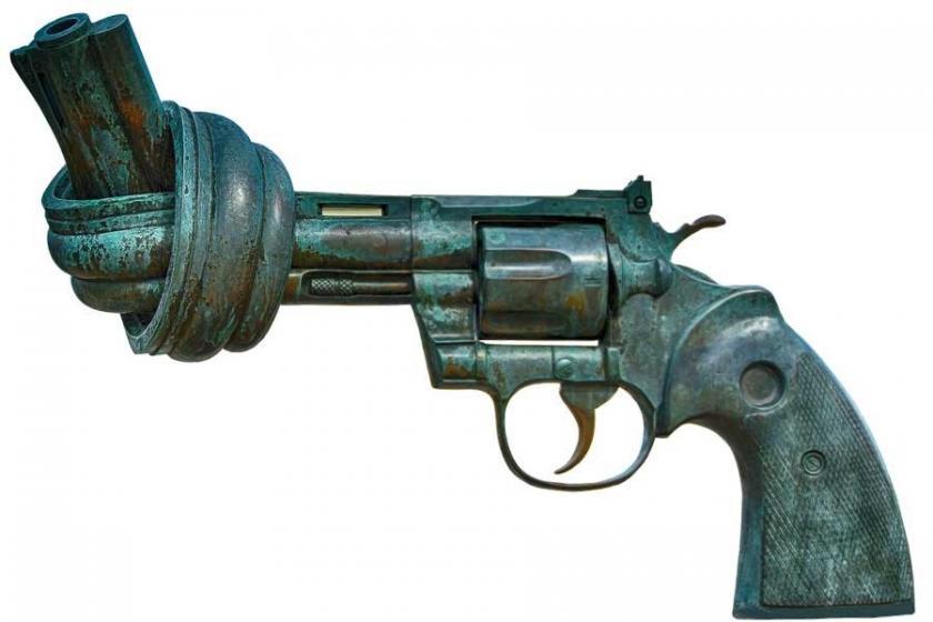 Silahlı saldırılar bitmiyor, bireysel silahlanma adeta teşvik ediliyor