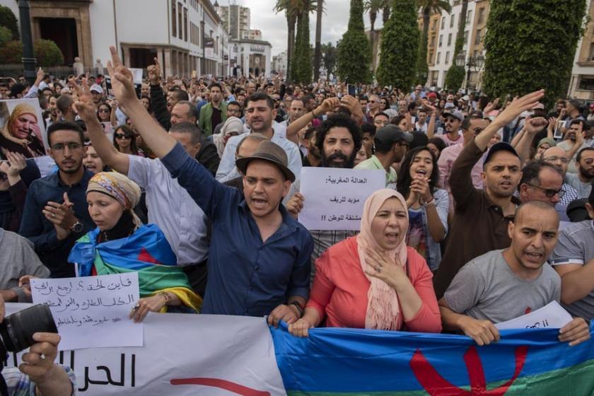 Fas'ta Rif Hareketine verilen cezalar protesto edildi