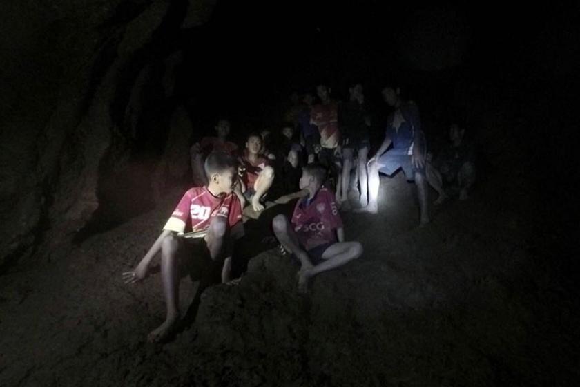 Tayland'da 9 gün önce mağarada kaybolan çocuklar bulundu