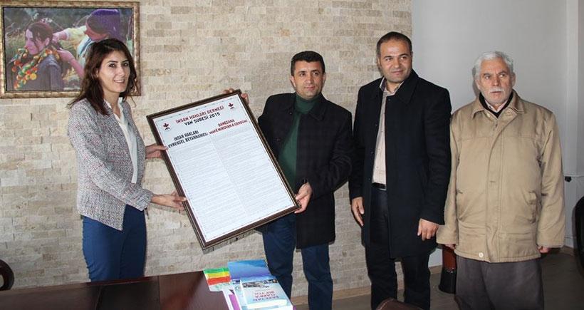 Van İHD, İnsan Hakları Bildirgesini Kürtçe bastı