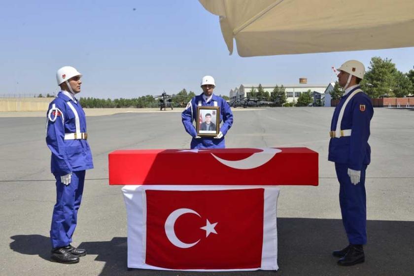 Diyarbakır'ın Silvan ilçesindeki çatışmada bir korucu yaşamını yitirdi