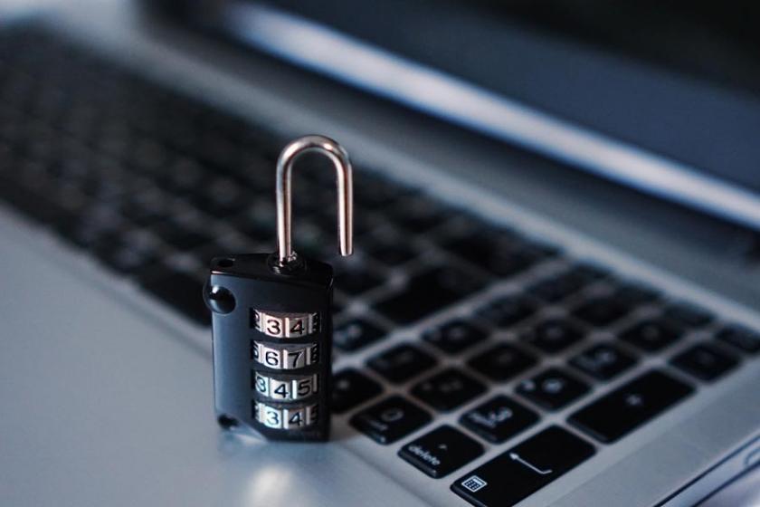 12 Rus istihbarat görevlisine ABD'den hackerlık suçlaması