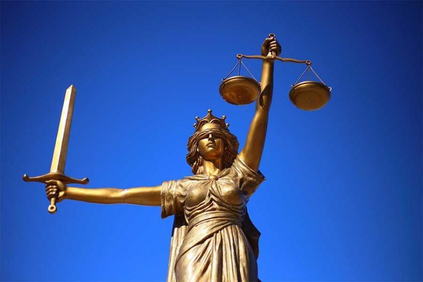 Anayasa Mahkemesi: Avukat kısıtlaması anayasaya aykırı