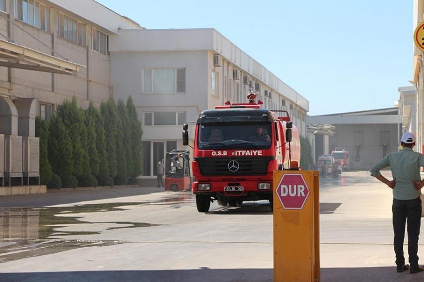Antep'te medikal malzemeleri üreten fabrikada yangın çıktı