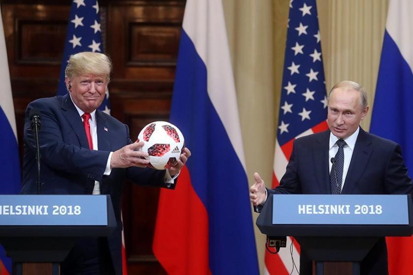 Putin'in Trump'a hediye ettiği Dünya Kupası topundaki çip gündem oldu