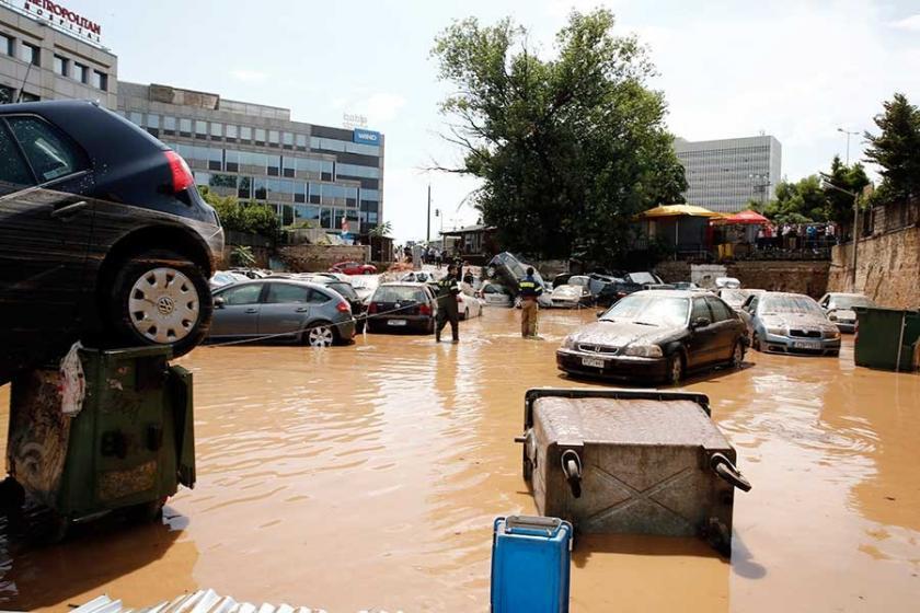 Yunanistan'ı bu kez de sel vurdu
