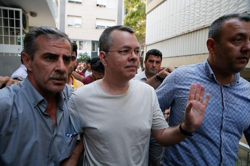 ABD ile 'Rahip Brunson krizi'nde AKP'den arayı yumuşatma girişimleri