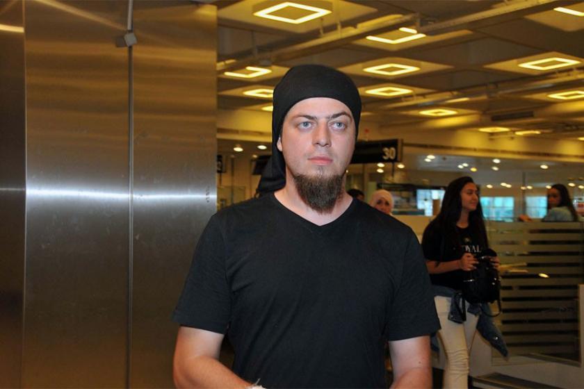 Mısır'da tedavisi biten illüzyonist Aref, Türkiye'ye döndü