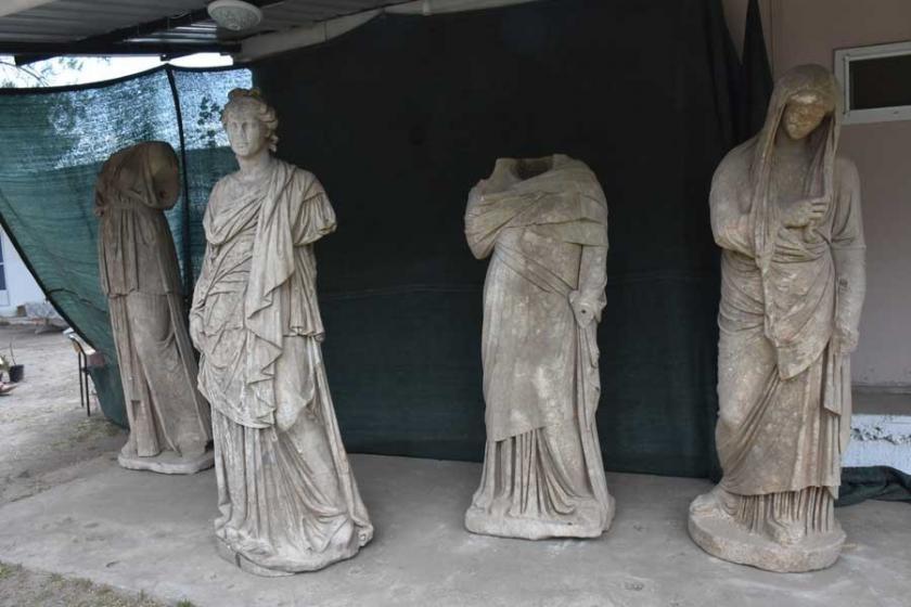Aydın'da 2 bin yıllık 6 heykel bulundu
