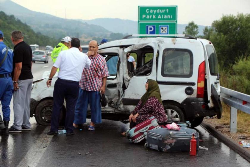 Bolu'da 6 araçlık trafik kazasında 1 kişi öldü, 15 kişi yaralandı