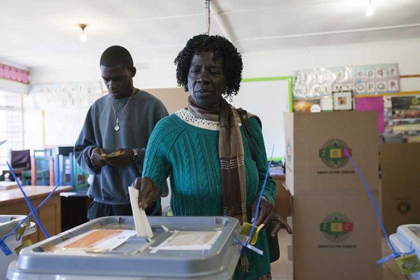 Zimbabve, 38 yıl sonra ilk kez Mugabesiz seçim için sandık başında