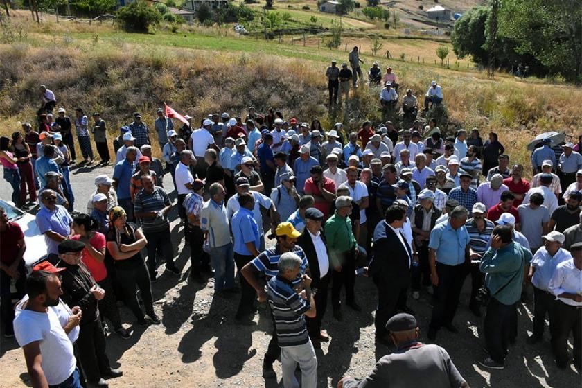 Köylüler, maden sondajını önlemek için nöbeti sürdürdü