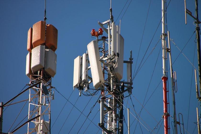 Avcılar'da GSM şirketleri ile belediye arasında baz istasyonu krizi