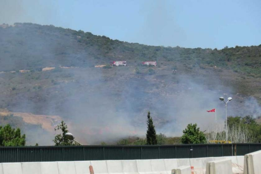 Tuzla Piyade Okulunun içindeki ağaçlık alanda yangın