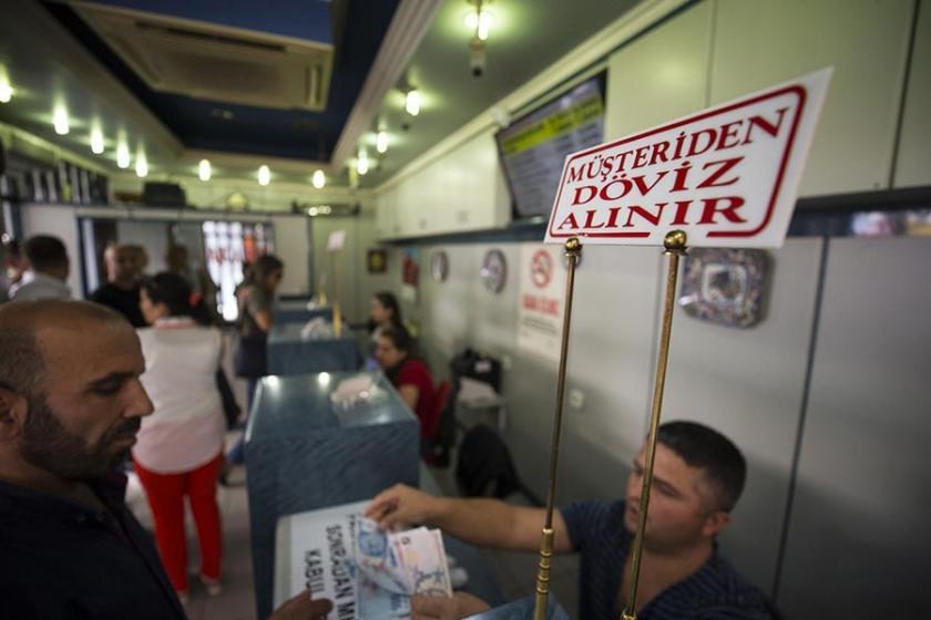 Ahmet Hakan: 7 TL'den dolar bozduranlar hem kârlılar hem vatanseverler