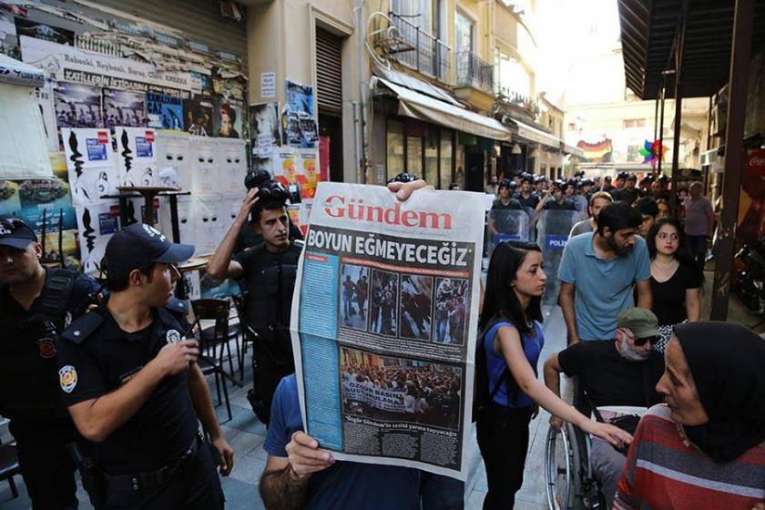 Cezaları onandığı için hapse girecek olan gazeteciler AYM'ye gidecek