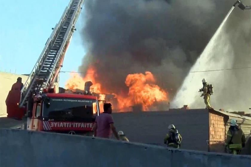 Antep'te tekstil fabrikasında yangın: 3 işçi dumandan etkilendi