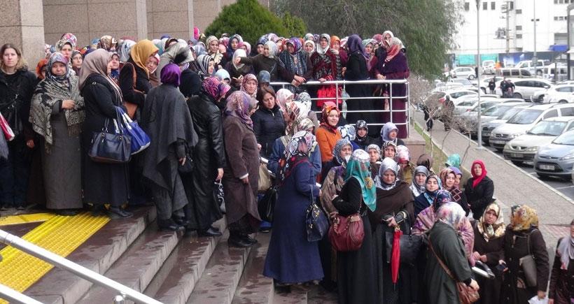 İzmir Adliyesi içinde ve etrafında basın açıklaması yasaklandı