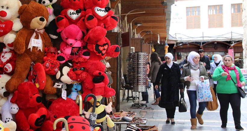 Savaş, Halep'te sevenleri ayırıyor