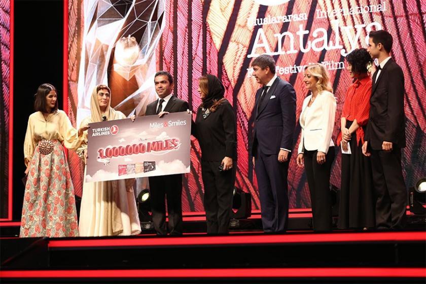 Antalya'da en iyi film ödülü 'Üç Yüz'e