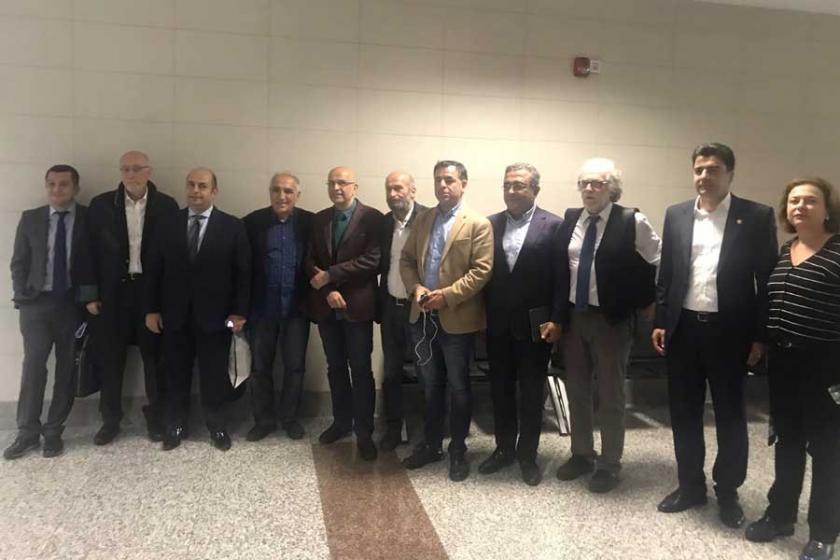 MİT TIR'ları davasında Berberoğlu'na yurtdışı yasağı
