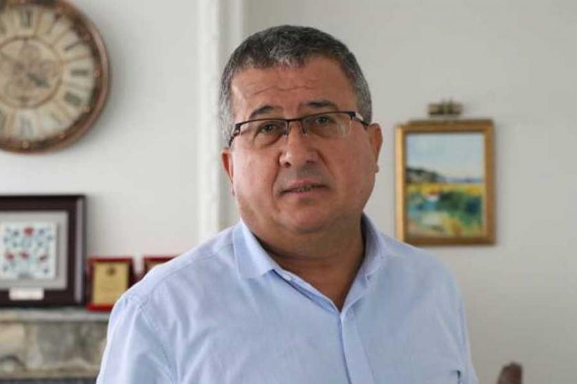'Türkiye'de yargı siyasi partileşiyor'