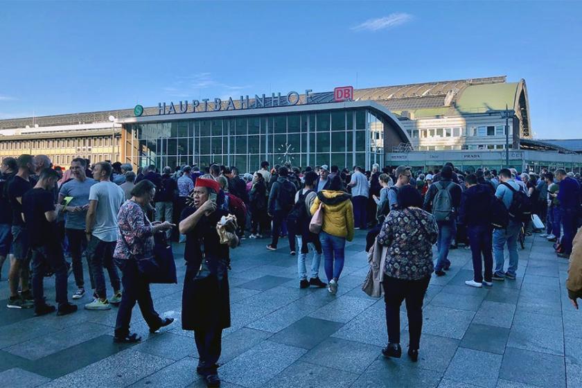 Köln merkez tren istasyonunda rehine krizi