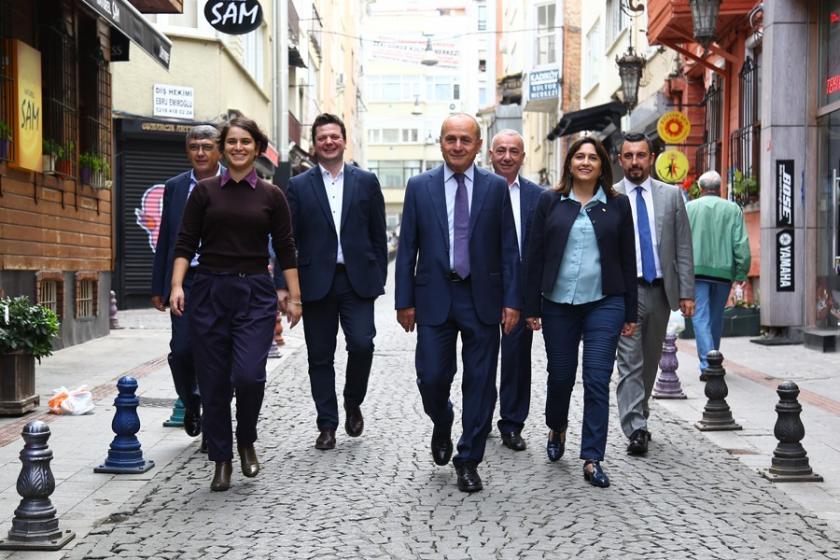 Aykurt Nuhoğlu Kadıköy için aday adaylığını açıkladı