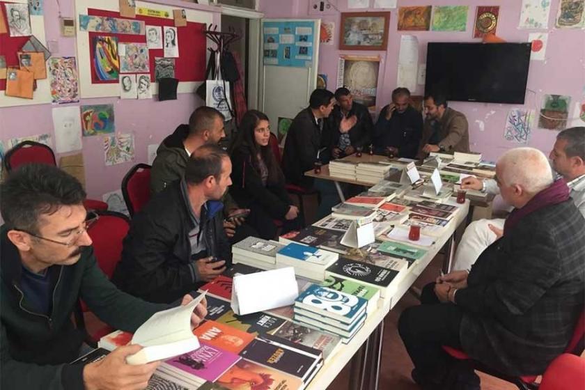 Kayseri'de alternatif kitap standı: İşçiler daha çok kitap okusun diye