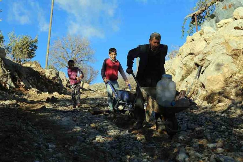 Şırnak'ta bir mahalle: Ne su ne elektrik ne de yol var