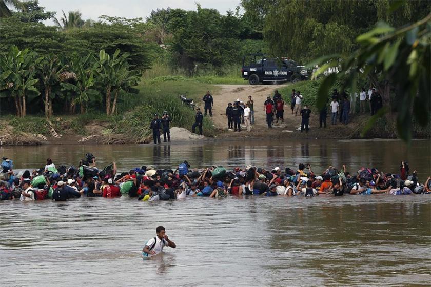 ABD'li bakan da Trump'ın  mülteci karşıtı politikasına destek verdi