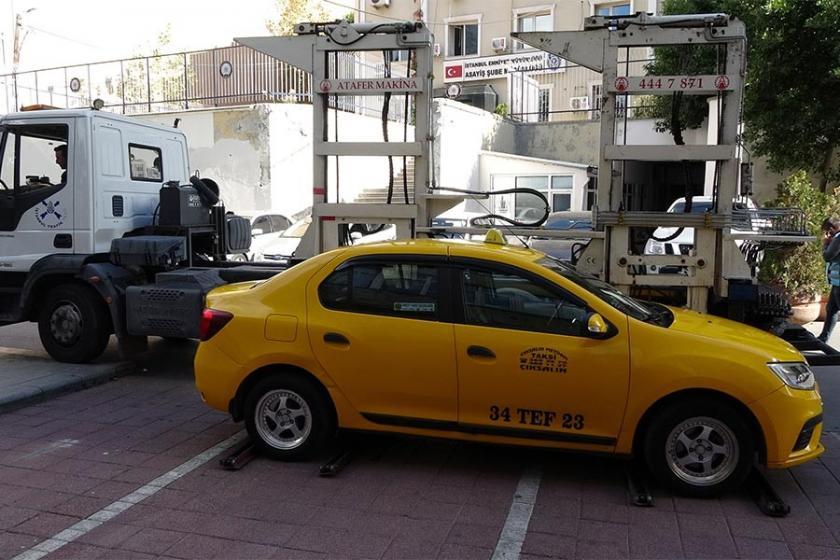 'Kısa mesafe' yolcu almadığı iddia edilen taksi trafikten men edildi