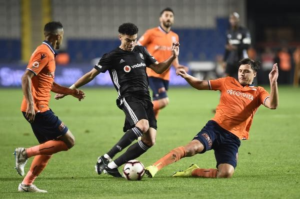 Başakşehir, Beşiktaş'ı yenerek zirvedeki yerini korudu