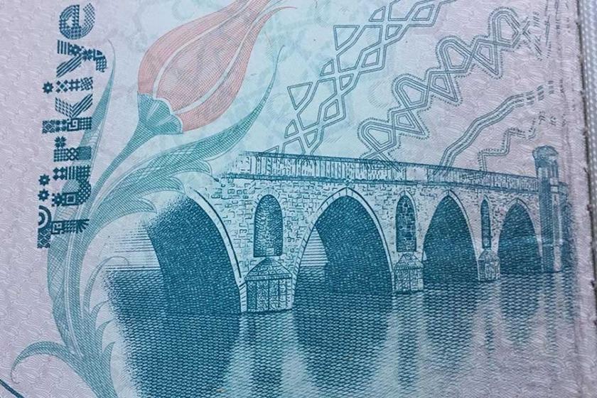 Pasaportlara Uzunköprü diye Meriç Köprüsü'nün görseli konulmuş